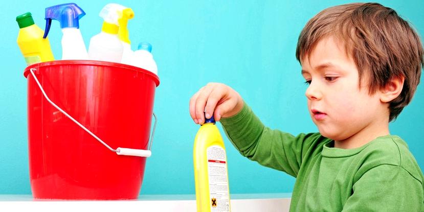 Bewahren Sie Reinigungsmittel immer außerhalb der Reichweite von Kindern auf, um Vergiftungen zu verhindern