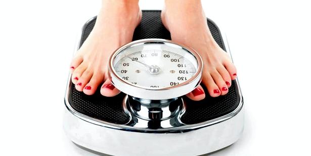 Häufiges Wiegen Symptom bei Magersucht