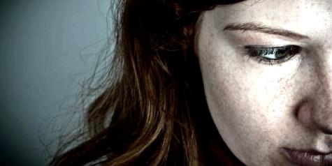 Frauen erkranken dreimal häufiger an Borderline als Männer
