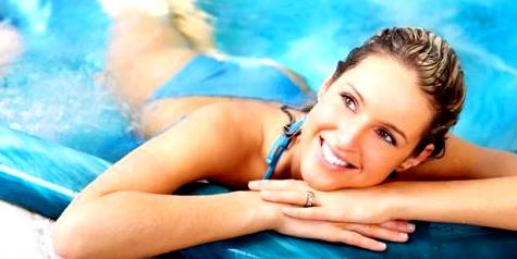 Im Schwimmbad herrscht Ansteckungsgefahr von Geschlechtskrankheiten