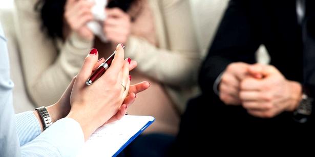 Gespräche mit den Betroffenen, aber auch mit den Angehörigen, sind wichtig