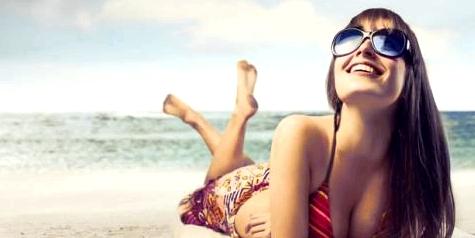 Sonnenbrille tragen um schädliche UV-Strahlen abzuwehren