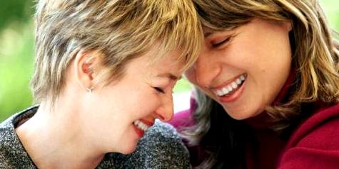 Hilfe und Unterstützung von guten Freunden bei Magersucht