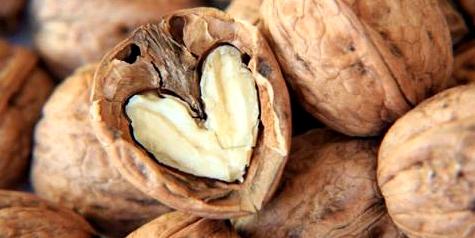 Ein Top-Lebensmittel um zuzunehmen sind Nüsse