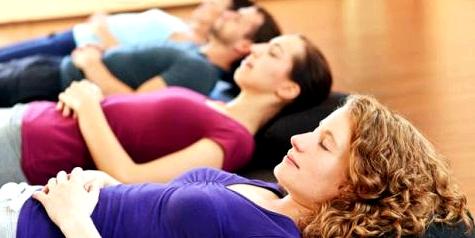 Entspannungsübungen als Bestandteil der Fibromyalgie-Therapie