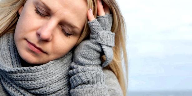 Fibromyalgie Symptome können Schlafstörungen, Müdigkeit sein