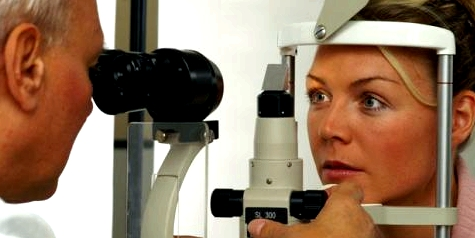 Alle zwei Jahre Glaukom-Untersuchung