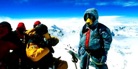 Um einem Sauerstoffmangel in extremen Höhen entgegenzuwirken, ist die Verwendung von Sauerstoffmasken fast unerlässlich