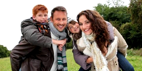 Eltern und Sohn mit Mukoviszidose