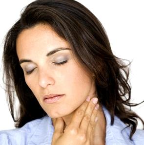 Halsschmerzen Zeichen für Pfeifferisches Drüsenfieber