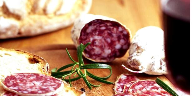 Histaminhaltige Nahrung erhöhen Clusterkopfschmerz-Beschwerden