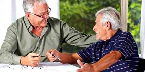 Demenz vorbeugen mit Freundschaften