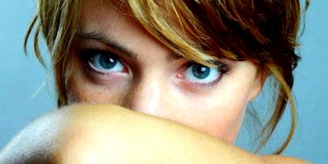 Parodontitis kann Mundgeruch verursachen