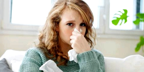 Bei einer Lungenentzündung helfen Inhalationen. Oft werden dafür Ätherische Öle verwendet