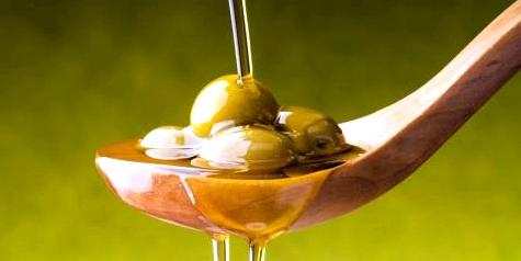 Olivenöl und Olive