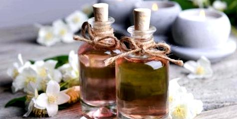 Duftöle in kleinen Flaschen