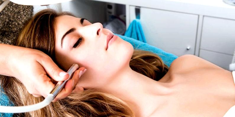 Hautärzte können bei der Milien-Behandlung Laser einsetzen