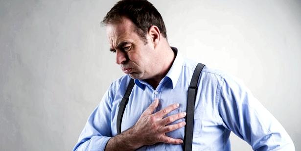Herzmuskelentzündung löst Schmerzen im Brustkorb aus