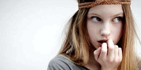 Nägelkauen kann zu Nagelbettentzündung führen