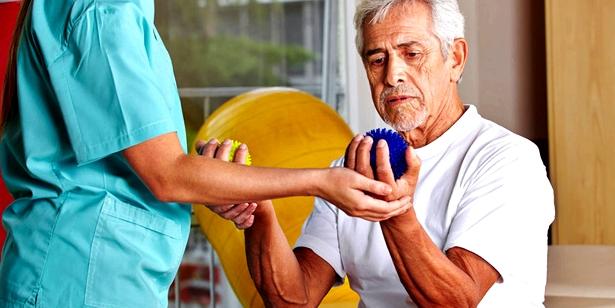 Krankengymnastik zur Arthritis-Behandlung